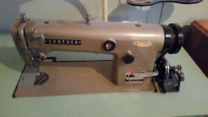 Industrial sewing machine  (BROTHER)