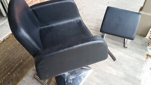 Salon sink, 2 leather chairs and foot rest Kitchener / Waterloo Kitchener Area image 4
