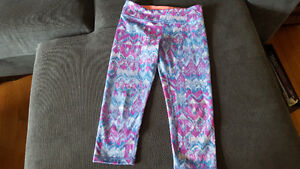 AVIVVA~Youth Capri Pants~Size 10