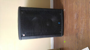 Yorkville Nx750 Powered Speakers