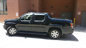 Honda Ridgeline EX-L with navigation!