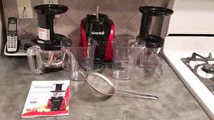 Slowstar Juicer Brand NEW with Manual Immaculate Nonsmoker