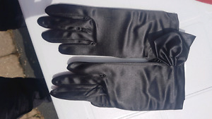 Satin Gloves with Bow - Brand New