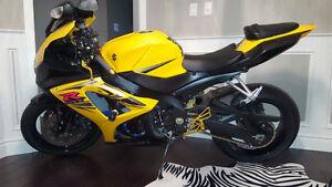 Yellow Suzuki GSX-R 1000