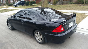 2004 Honda Civic Coupe (2 door)