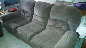 COUCH AND LOVE SEAT FOR SALE !!! Cambridge Kitchener Area image 4