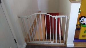 Barrière de sécurité permanente ultra solide avec porte