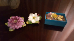 China (England) broaches and earrings