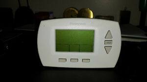 Honeywell Model RTH6300B 7 day programable thermostat