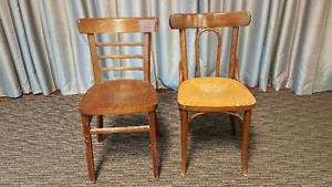 125 chaises de bois genre bistro