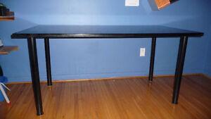 TABLE OR COMPUTER DESK West Island Greater Montréal image 3