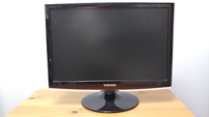 "Samsung Monitor 22"" SyncMaster T220"