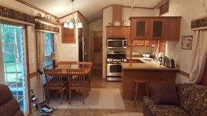 Mobile summer house in excellent condition (like new)