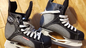 Easton Size 3 Ice Skates, Excellent Condition
