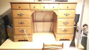 Wood desk set Kitchener / Waterloo Kitchener Area image 1