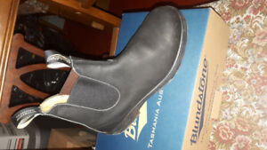 Size 9 Mens Blundstone Boots