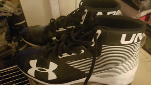 Souliers Football under armour