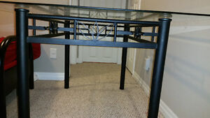 Glass top table for sale Kitchener / Waterloo Kitchener Area image 2