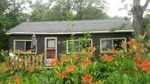 Aug.6-Sept.30 3 bdr cottage 20 min from Kingston $1300 a month