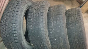 BLIZZAK WINTER TIRES P215/70R16