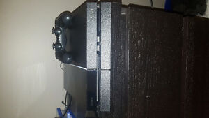 Sony PS4 (500GB) in great condition for sale