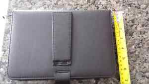 TABLET CASE WITH KEYBOARD Cambridge Kitchener Area image 2