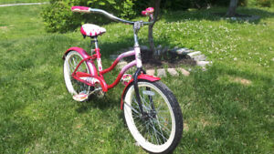 Girls 18 inch cruiser bike perfect for the summer
