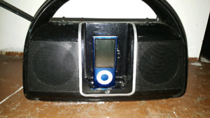 8G IPod and speaker dock system