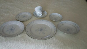 Fine Bone China dinnerware