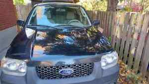 2005 Ford Escape *selling as is*