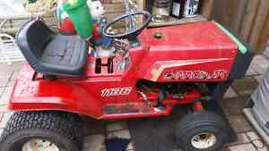 11 horse 400cc lawn tractor