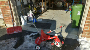 Radio flyer bicycle with training wheels