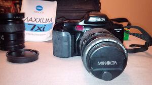 Minolta Maxxum 7xi 35mm Film Camera
