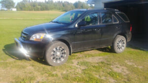 2009 KIA SORENTO 4X4, SELL OR TRADE FOR CAR