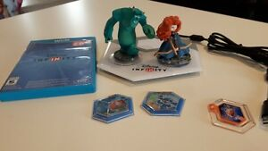 Wii U - Disney Infinity 2.0 Game, Base, 2 Figures and 3 Power Di