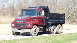 Custom MACK 13 Ton dump truck with lift axle and fold down sides