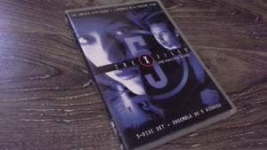 THE X-FILES SEASON 5 DVD SET IN MINT CONDITION