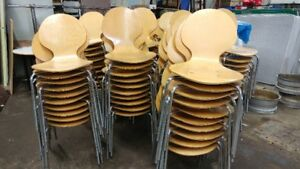STACKABLE EGG CHAIRS: retro style