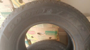 PNEUS GOOD  YEAR  NORDIC  WINTER     215 - 70 R 15
