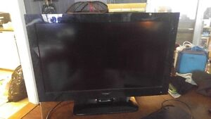 32 inch Haier lcd tv with remote