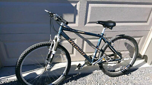Specialized Rockhopper medium frame unisex bike,  Good condition
