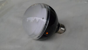 AC FLASH BULB/ CAN BE TRIGGERED BY ANOTHER FLASH