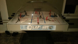 ARCADE BUBBLE HOCKEY GAME
