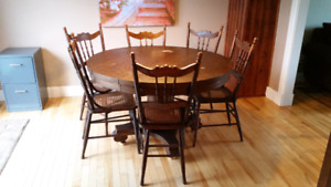 Antique Solid Wood Table,6 Cane Chairs,2 Leaf Extensions,Easton