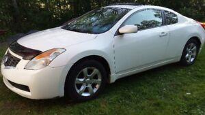 2008 Nissan Altima Coupe (2 door)