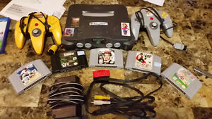 Nintendo 64 N64 console, 5 games and more!