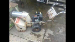 """Gas snow blower for sale 6.5 Hp 22"""""""
