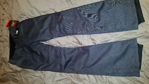 Women's snowboard pants Size XS. Brand new with tags