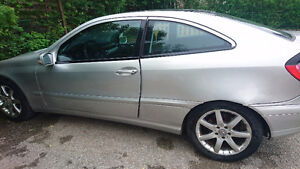 2002 Mercedes-Benz C-Class Coupe (2 door)