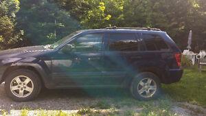 2005 Jeep Grand Cherokee équipé VUS